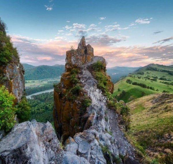 Гора Чертов палец Алтай